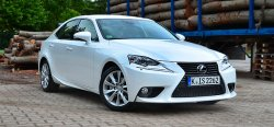 Тест-драйв Lexus IS